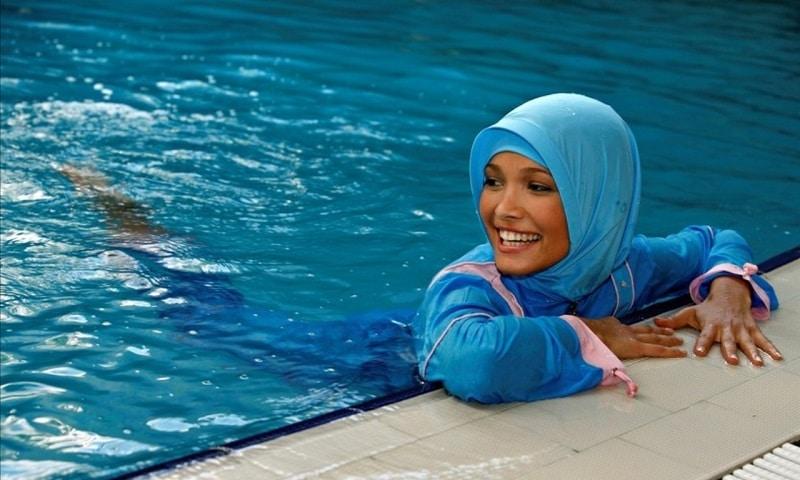 Burkini piscine
