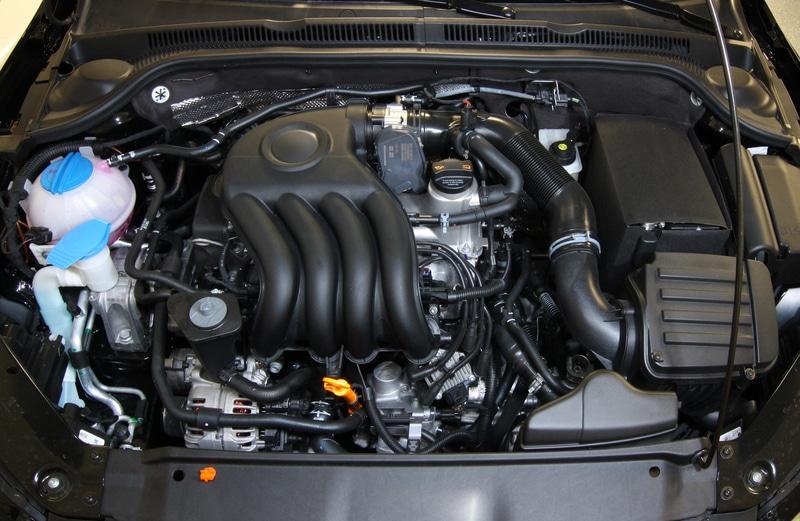 Un garage de m canique auto recourir le service d 39 un for Fonctionnement d un garage automobile