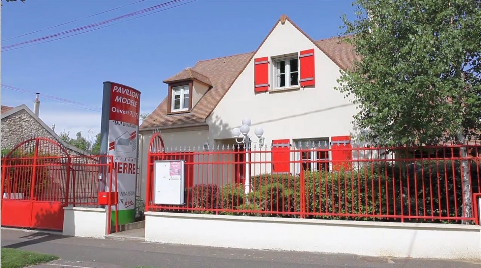 Maisons pierre notre avis sur leurs plus belles maisons for Batisseur maison individuelle